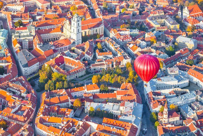 Heißluftballon über Litauen