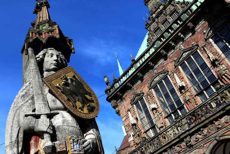 Ritter Statue