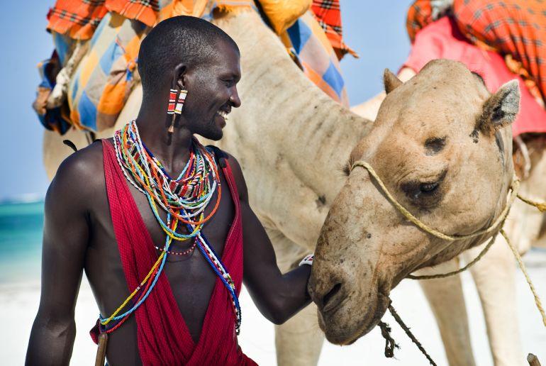 Afrikaner mit Kamel
