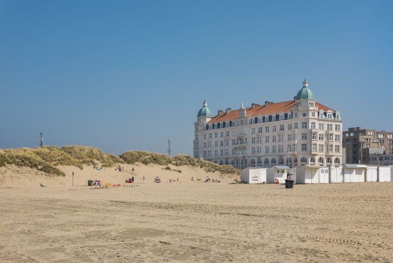 Schloss am Strand von Zeebrugge in Belgien