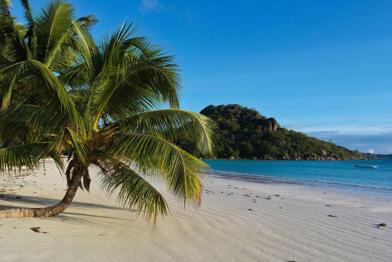 Strand Anse Volbert auf den Seychellen
