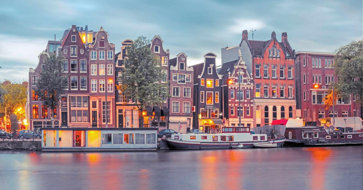 Lyon - Amsterdam