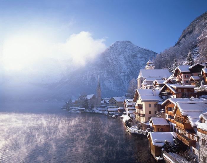 hallstat-in-winter-osterreich-werbung-photographer-popp-hackne-image-via-austrian-national-tourist-office