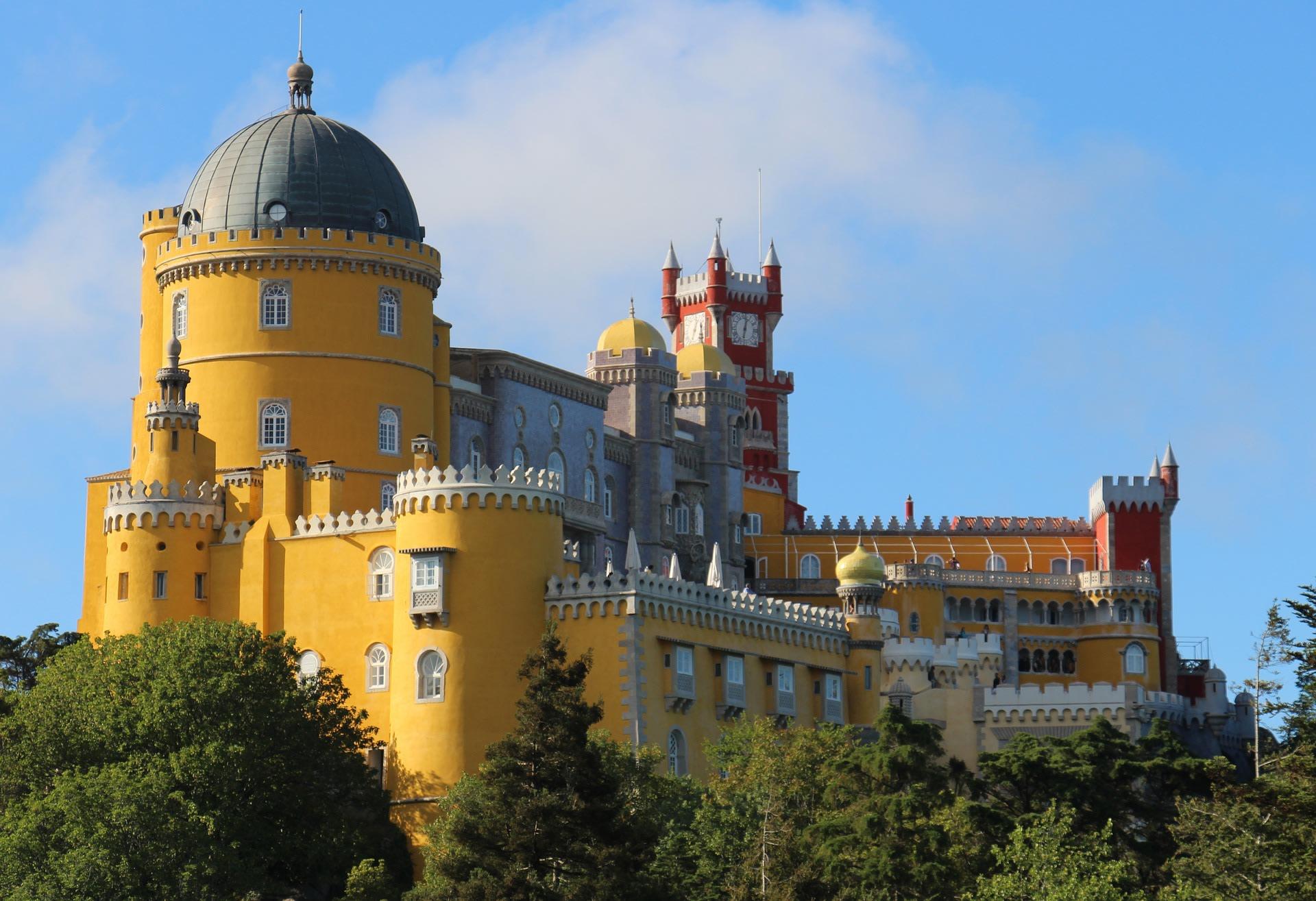 Il colorato Palazzo do Pena a Sintra