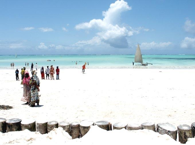 playa de arena blanca en tanzania
