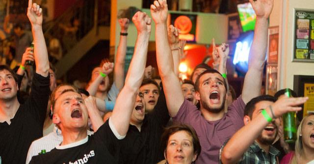 partido-de-futbol-en-un-bar