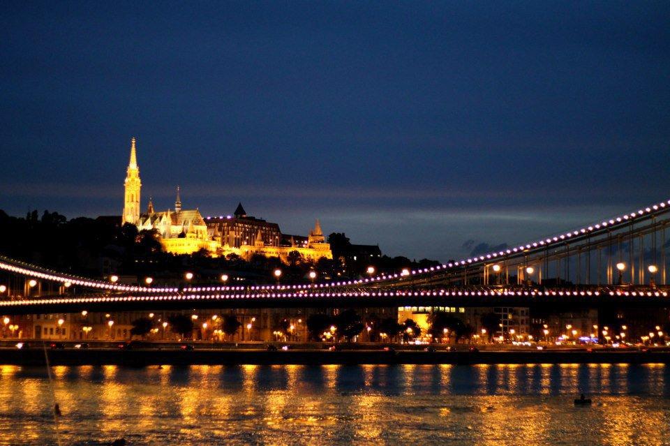 Budapest by night volagratis