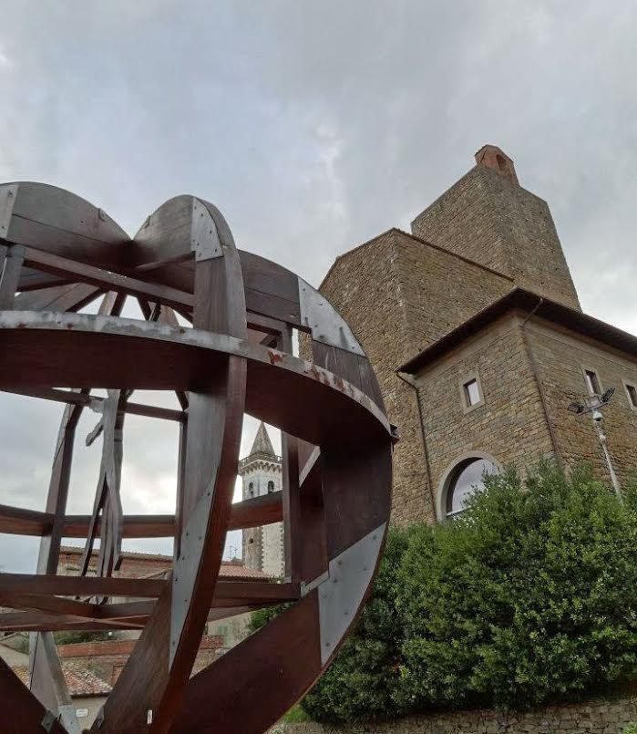 Plaza Guido Masi y Museo Leonardiano en Vinci