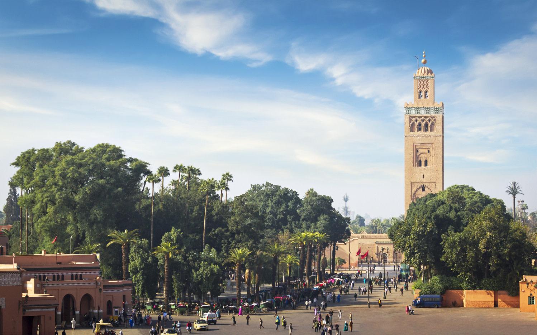 Edifice religieux - Vue sur la mosque de Koutoubia depuis la rue