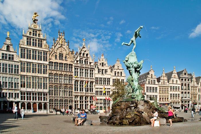 amberes en la region de flandes belgica