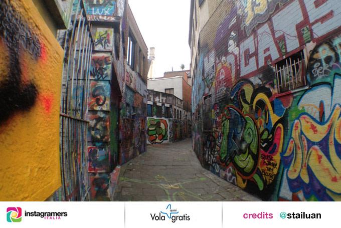 volagratis streetart igersitalia