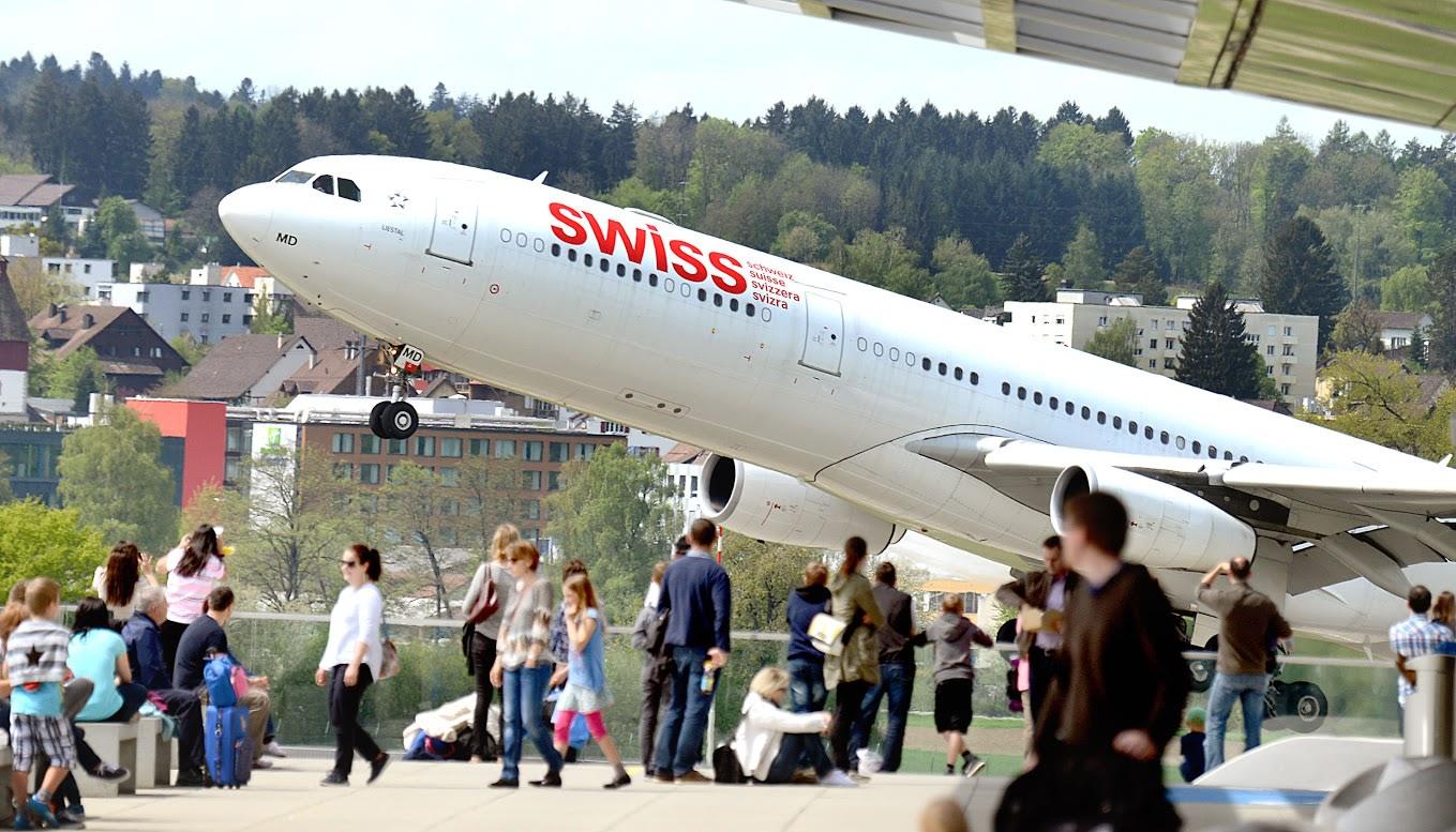 aeropuertos más bonitos del mundo: Zuschauerterrasse (Plataforma de observación) en el aeropuerto de Zúrich.