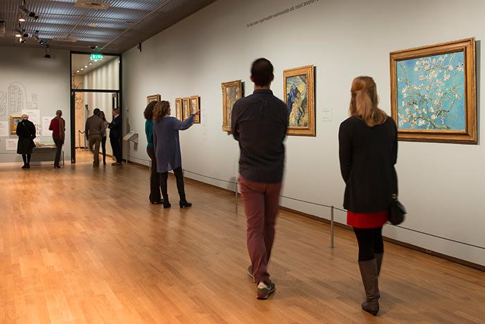 Van Gogh Museum gallery. Image by Jan Kees Steenman