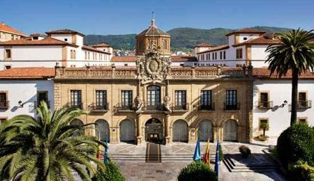 Hotel-Melia-Hotel-de-La-Reconquista