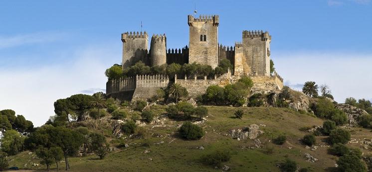 Castillo de Almodóvar del Río, ruta de los castillos de espana