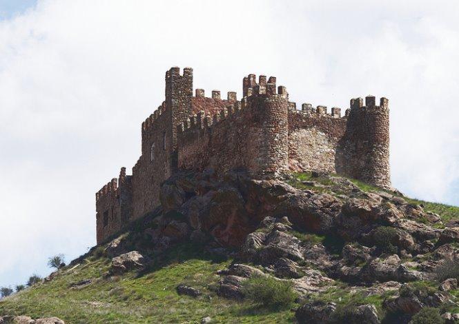 castillo-de-la-riba-de-santiuste-siguenza