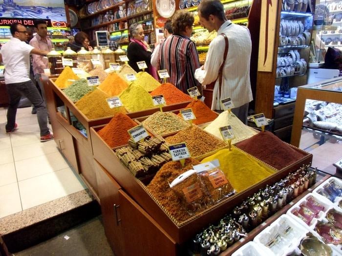 Qué ver en estambul : bazar especias estambul