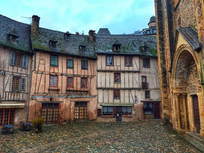 conques pueblo medieval del sur de francia