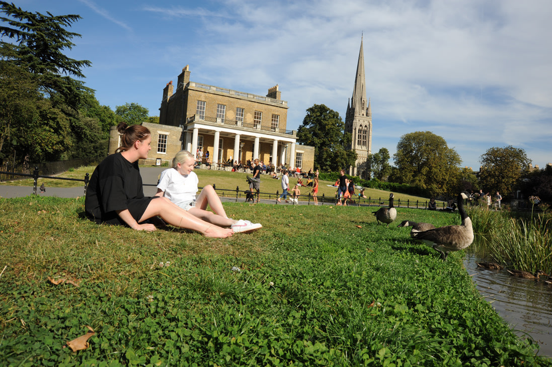 Renovated Clissold House and St Mary's Church in the background(c) Damian Walker