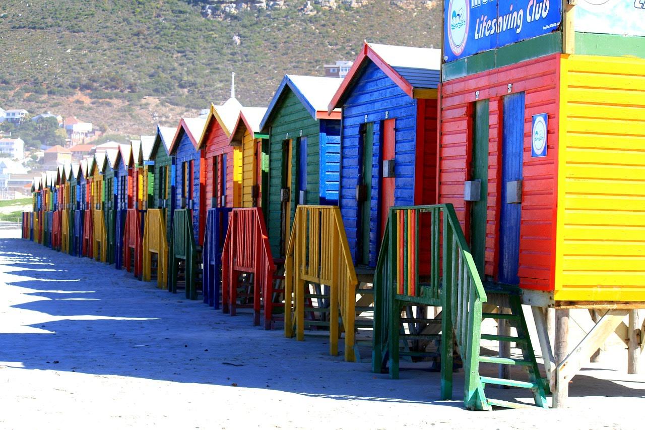 Spiaggia di Muizenberg, , tra i luoghi più colorati del mondo