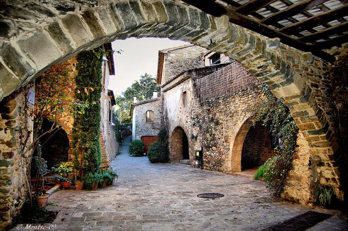 8 apellidos vascos: Girona