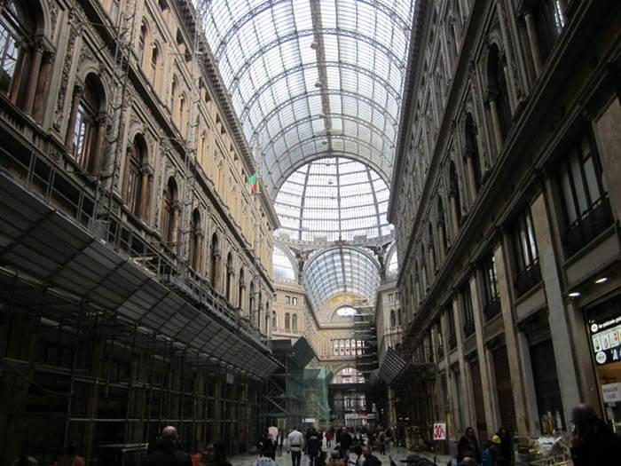 Galeria Umberto I napoles italia