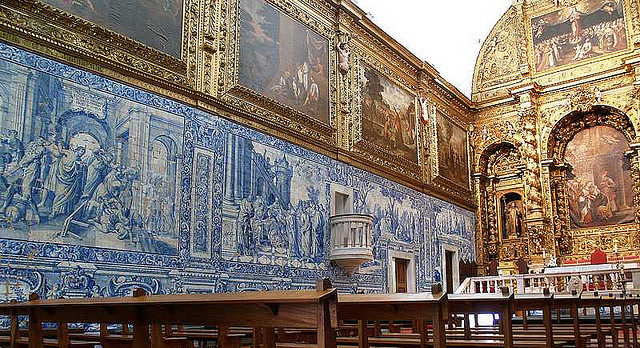 Chiesa de la Misericordia, Evora, foto di guymoll su Flickr