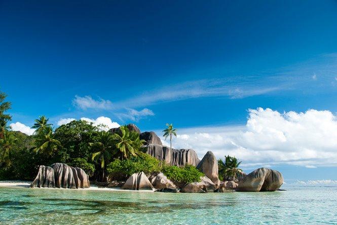 Playa y aguas transparentes Isla Seychelles