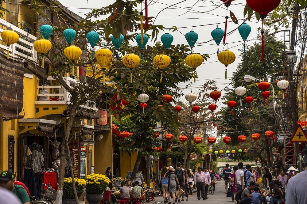 hoi an vietnam shopping