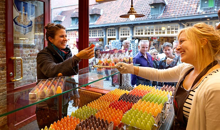 Cuberdons & Neuzekes in Bruges (c) Milo Profi
