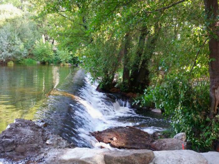 Sierra de Gredos: Navaluenga, río Alberche