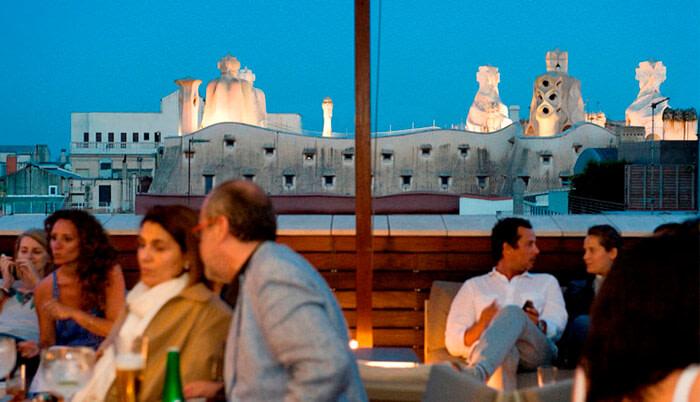 Terrazas de Barcelona vistas de La Pedrera desde la terraza del Hotel Omm