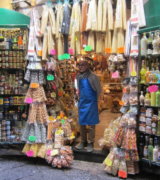 Tienda en Spaccanapoli napoles