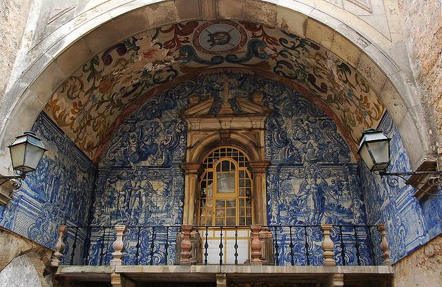 Entrata del castello di Óbidos, foto di Yellow su Flickr