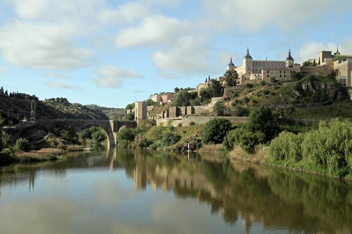 panoramica de toledo con el rio tajo