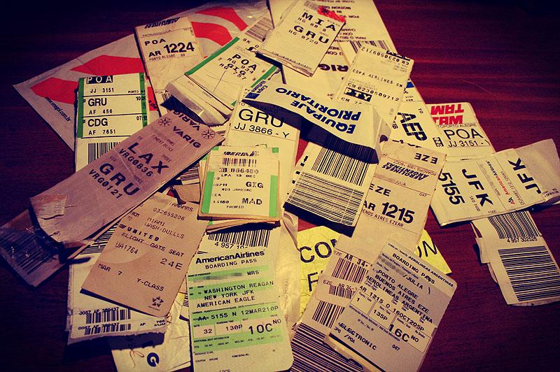 etiquetas de maletas facturadas con codigos de los aeropuertos del mundo
