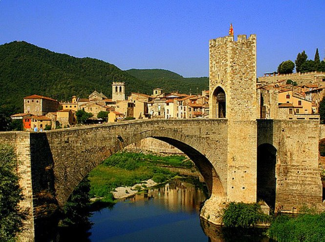 panoramica-besalu-autor-toni-flickrcom-creative-commons