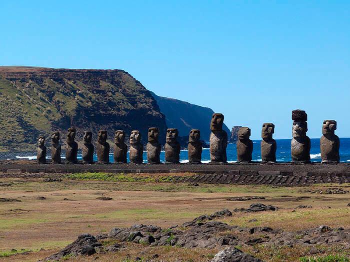 moais en Ahu Tongariki isla de pascua