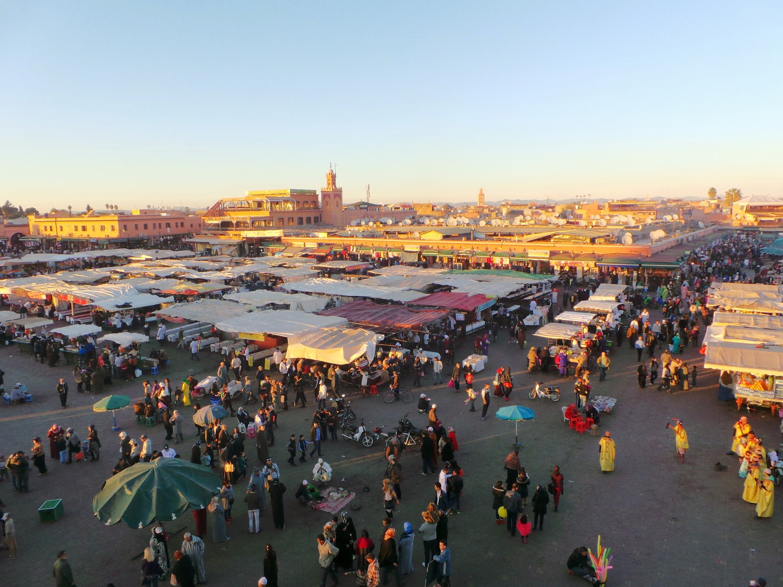 Climat/météo à Marrakech selon mois - Jour qui se lève sur le souk à Marrakech