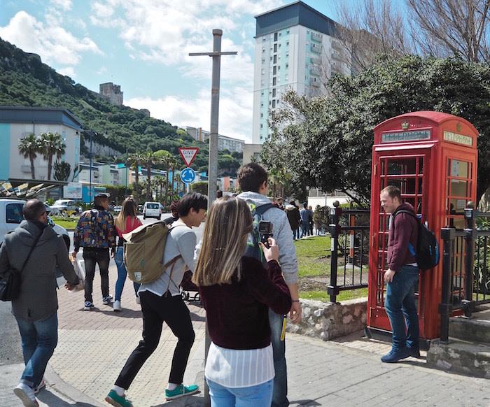 gibraltar: cabinas de teléfono rojas