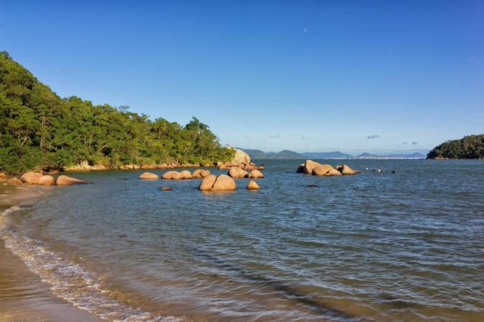 playas de brasil en baia dos golfinhos