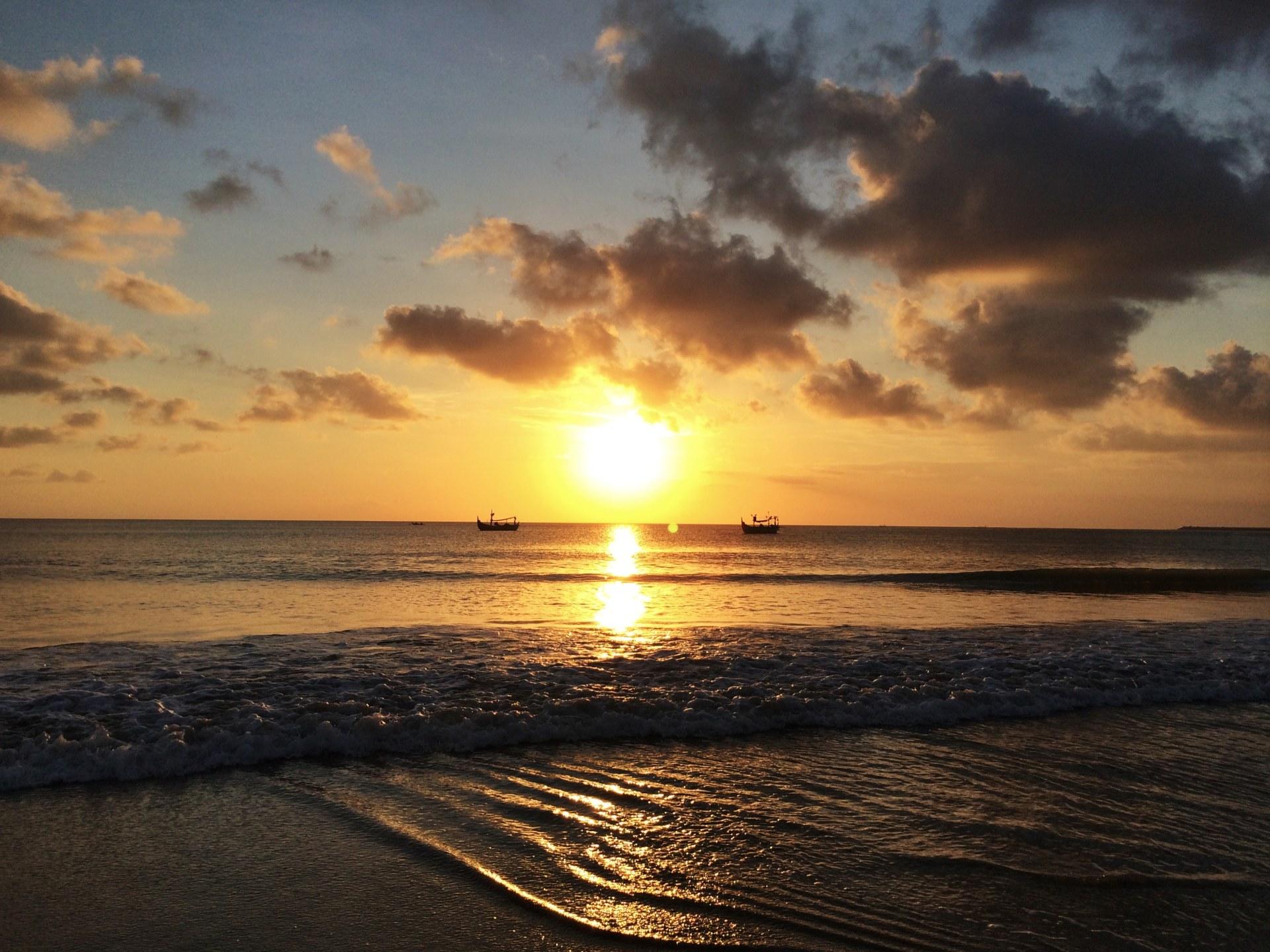 Il tramonto a Jimbaran, Bali