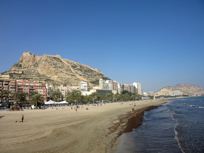 hogueras de san juan: playa postiguet alicante