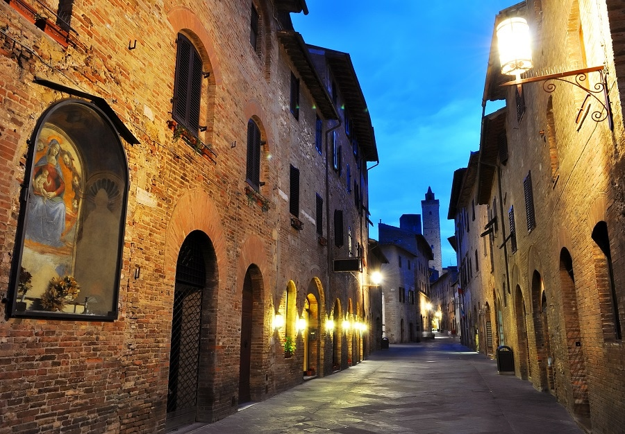Per le strade di San Gimignano