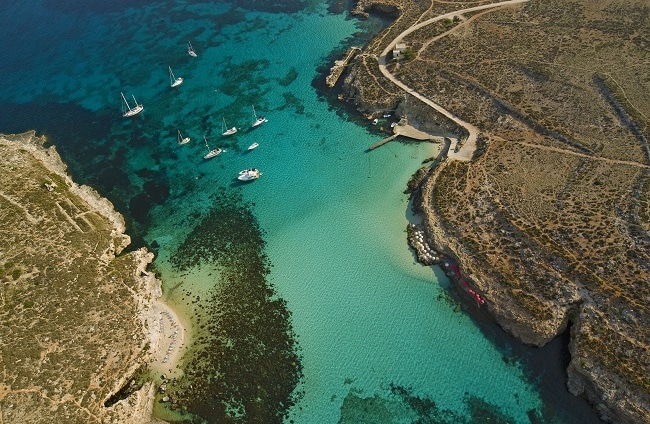 La famosa Laguna Azul, Isla de Comino, Malta. Foto: viewingmalta.com