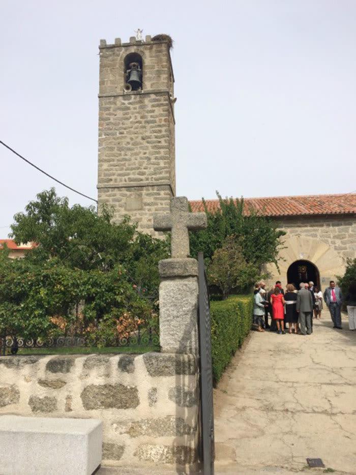 Sierra de Gredos: Navaluenga, Iglesia nuestra señora de los villares