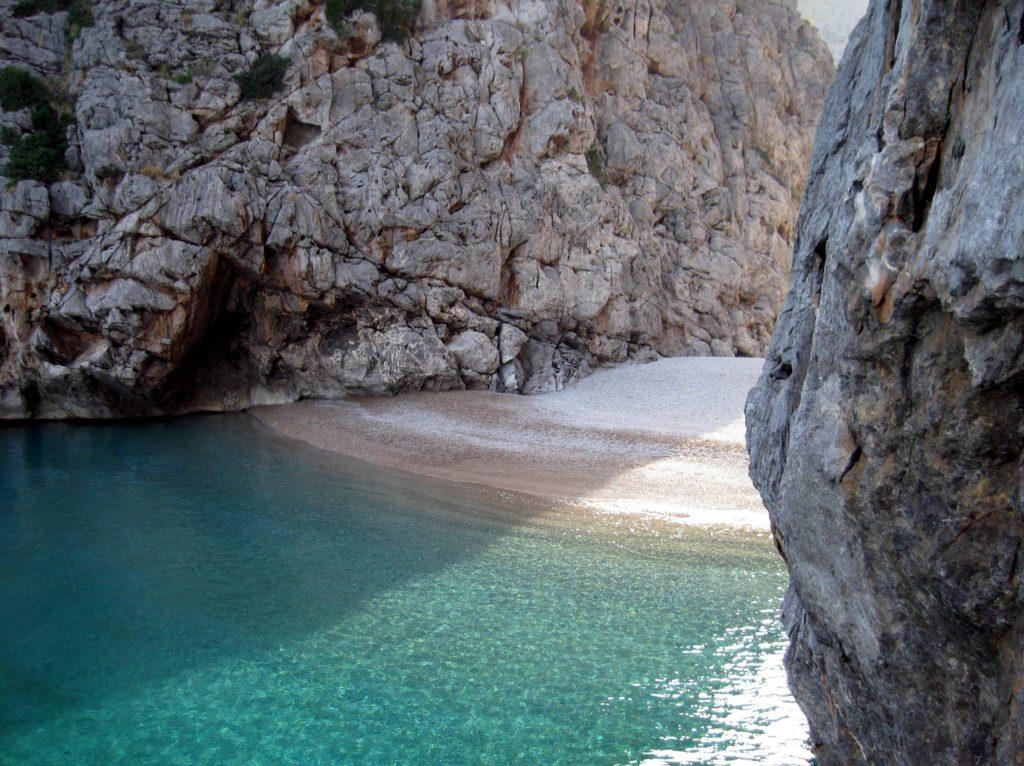 playas de levante: playa de torrent de pareis en mallorca