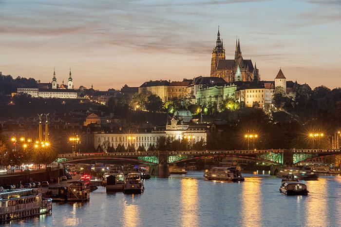 Qué hacer en Praga: Castillo de noche