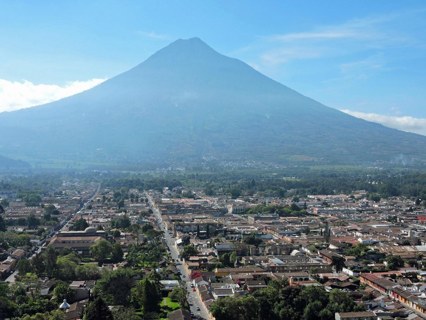 Panoramica di Antigua dal Cerro de la Cruz