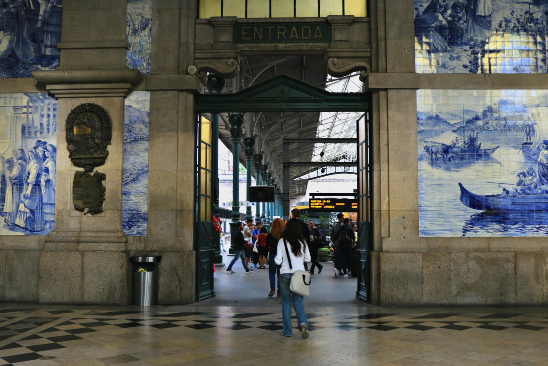 Stazione Sao Bento, Porto